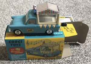 Corgi 474 Walls Ice Cream Van on Ford Thames With Musical Chimes - Replica