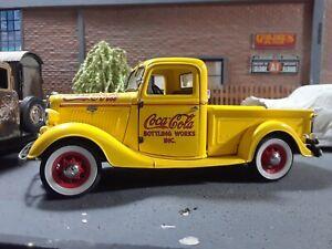DANBURY MINT 1935 Ford Coca Cola Delivery Truck
