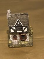 Beautiful Vintage Lilliput lane (Tuck Shop)collectible Lovely Cottage Ornament