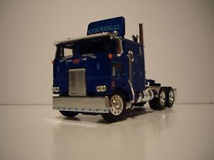 DCP FIRST GEAR 1/64 WESTERN DISTRIBUTING LOGOED PETERBILT 352 COE