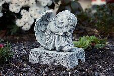 sculpture en pierre Ange sur Fels position assise résistant au gel
