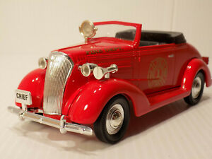 LIBERTY #10018 1937 CHEVROLET CONVERTIBLE FIRE CHIEF CAR  DIECAST 1/25 SCALE NOS