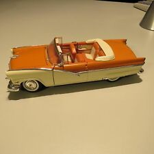 1956 FORD SUNLINER ERTL 1;18 SCALE DIECAST