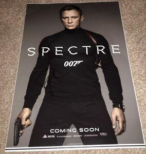 Daniel Craig Genuine Hand Signed 12X18 PHOTO POSTER SPECTRE JAMES BOND (Z)