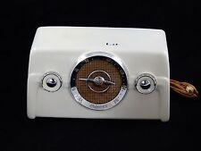Crosley Model 10-135 White Bakelite Coloradio 1950's AM Tube Radio