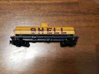 TYCO - SHELL Model Train Tank Car 315C yellow. Vintage. HO Scale.