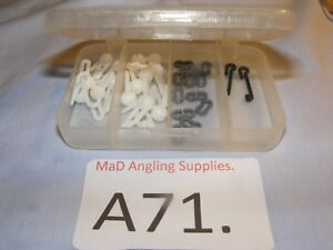 A71. Pack of 15 WHITE Snood Booms with Bait Clips for Sea Fishing in box