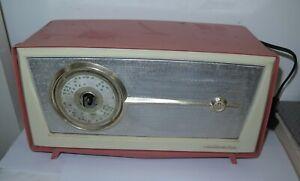 VINTAGE AWA Radiola Model 586MA PINK and white valve radio