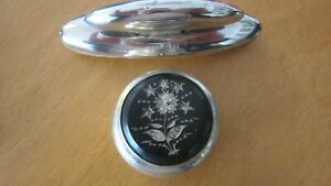 2x small silver vanities.nail buffer 1907 and EPNS pill box.