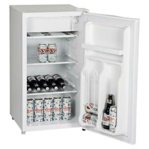 Koolatron Mini Fridge Coors Light Freezer Drink Holder Home Office Refrigerator