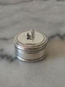 Boîte ancienne en métal argenté par Christian Dior
