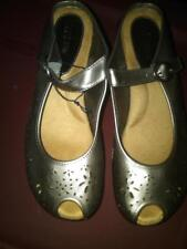 NEW LADIES GRAY SILVER SHOES CUT OUT PATTERN STRAPPY WEDGE HEEL PEEP TOE 10M