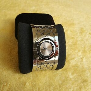 Gucci 112 Twirl Stainless Steel Women's Watch with 33 mm Band Width (NR791)