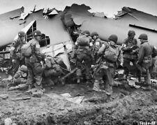 WW2  Photo WWII American 101st Airborne Market Garden  World War Two / 1569