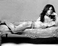 ACTRESS KATE BECKINSALE - 8X10 PUBLICITY PHOTO (SP138)