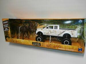 NewRay Wildlife Hunter White Camo Off-Road Pickup Truck Moose Rifles Playset 6pc