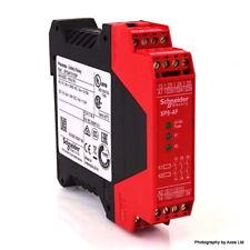 Safety Relay XPSAF5130P Schneider 24VAC/DC 012451 XP-SAF5130P