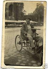 Photo ancienne CPA portrait homme en fauteuil roulant - an. 1920