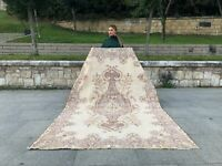 VINTAGE TURKISH FLORAL RUG OUSHAK, LOW PILE WOOL RUG TRIBAL BOHO RUG RUNNER