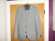Boys Primark Grey Check Full Suit Slim Fit 36R 30/32R .Very Good Condition
