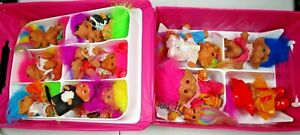 Vtg 1992 Treasure Troll Doll Case with Inserts and 21 Troll Dolls