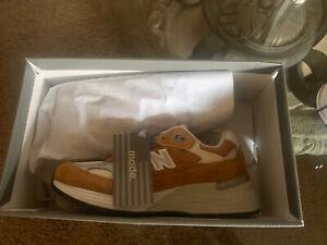 New Balance x Packer Shoes 992 Size 5 DS.          Prizm-Topshot- University.