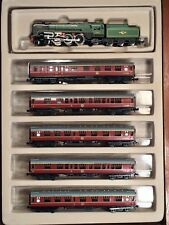 "BR ""Britannia"" 4-6-2 Steam Locomotive + 5-Car Set, Wood Box, MINITRIX 1020"