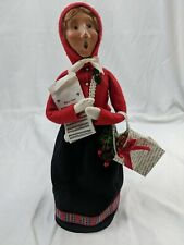 Byers Choice Caroler 2001 Woman With Music And Bag
