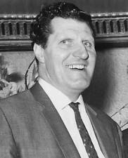 OLD TV PHOTO Famous British Magician & Comedian Tommy Cooper No 32