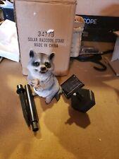 Raccoon solar light stake Nib Look