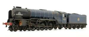 HORNBY 'OO' GAUGE CLASS A1 TORNADO WITH TTS SOUND *PROFESSIONALLY WEATHERED*