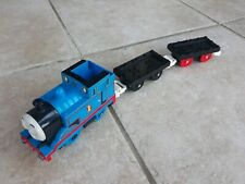 Vintage TOMY Thomas train with Magnetic trucks. Battery operated