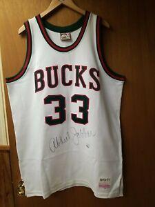 1970-71 Mitchell & Ness UDA Signed Kareem Abdul Jabbar Milwaukee Bucks Jersey