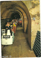 51 - cpsm - REIMS - Champagne Piper-Heidsieck - Les caves ( i 4990)