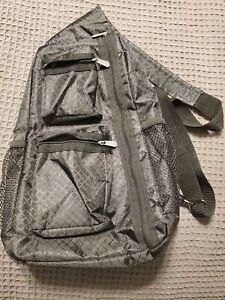Thirty-one sling back bag