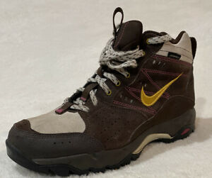 Nike Hiking Boots Women's Size 7