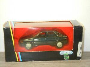 Ford Escort 5-Door - Schabak 1090 Germany 1:43 in Box *52320