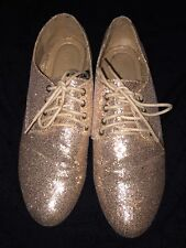 Forever 21 Oxford Gold Shoes Womens Size 8