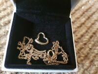 9CT 9KT GOLD 375 heart pendant & chain, necklace
