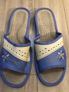 Womans Leather Slipers Size 41/11.