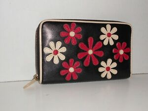 Isabella Fiore Black w/ Red & Bone / Ivory Flowers Zip Around Wallet