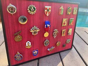 TABLEAU SOUVENIRS DE LEGION ETRANGERE 23 PCS (Insignes,médailles)