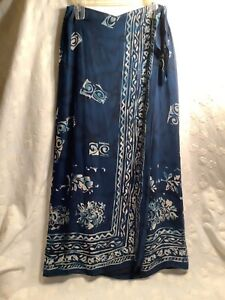 Women's SZ 8 100% Silk Skirt Indigo Blue Tiki Print Wrap Style Excellent!