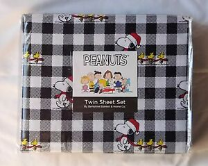 New Peanuts Snoopy Woodstock Santa Hat Twin Sheet Set Black/White Buffalo Plaid