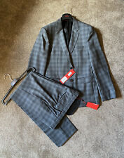 HUGO BOSS MENS TWO PIECE SUIT, JACKET SIZE IS 42R & TROUSER SIZE 36R RRP £398