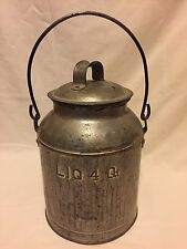 Antique Tin Milk Jug Liq. 4 Qt. with lid in Ex+ Condition, Great Collectible
