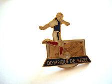 PINS RARE OLYMPIQUE DE MEZEL ALPES DE HAUTE PROVENCE CLUB FOOTBALL FOOT