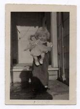 PHOTO ANCIENNE Jouet Jeu Doll Toy Poupée Petite Fille Enfant Portrait Vers 1930