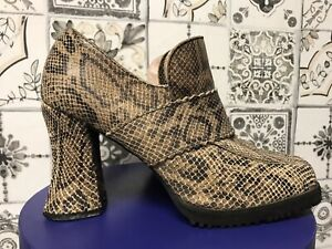 SCHUH Original Vintage 90s Does 70s Leather Snakeskin Chunky Shoes size 6