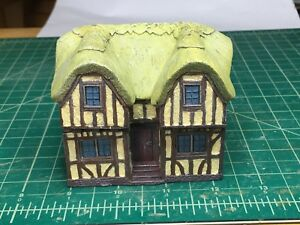 15 mm Painted European Tudor style 2 story Thatch Cantilever House building